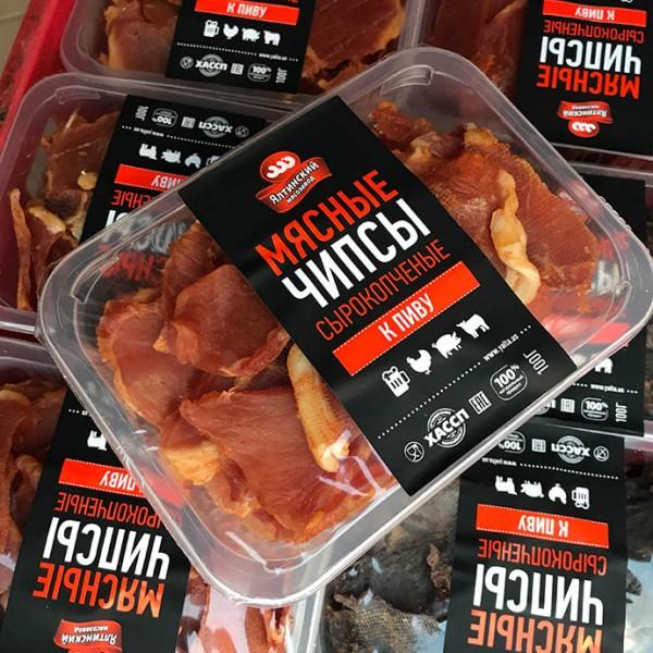 Чипсы свиные со спец. 500 гр. лоток