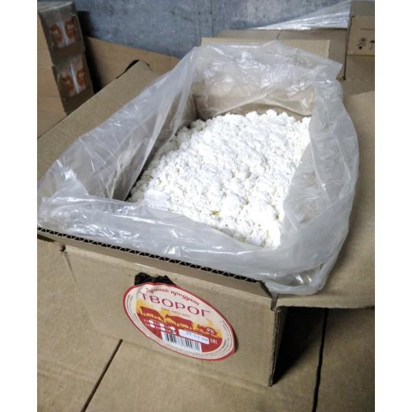 """Творог """"ОСОБЫЙ """" 9% Белый 1кг(гофрокороб)  ЕАЭС N RU Д-RU.РА01.В.95087/20"""